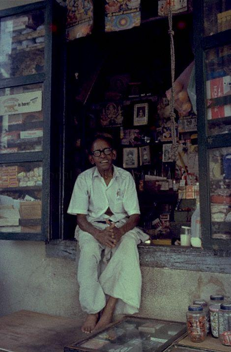 Sundries shop in a long Geylang Road in the 1980s. Photo credit: National Archives of Singapore